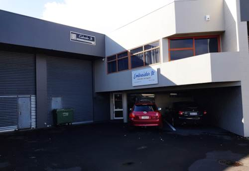 Henderson, INDUSTRIAL UNIT 229M² OFF LINCOLN ROAD, Property ID: 80068 | Barfoot & Thompson