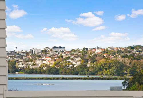 Remuera, Your Lifestyle Home - in DGZ, Property ID: 792253 | Barfoot & Thompson