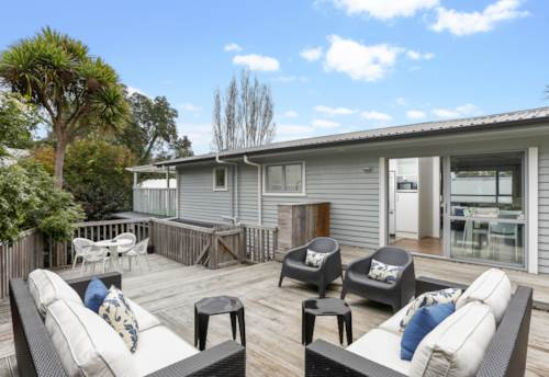 Orakei, Updated 1950's Classic, Property ID: 792605 | Barfoot & Thompson