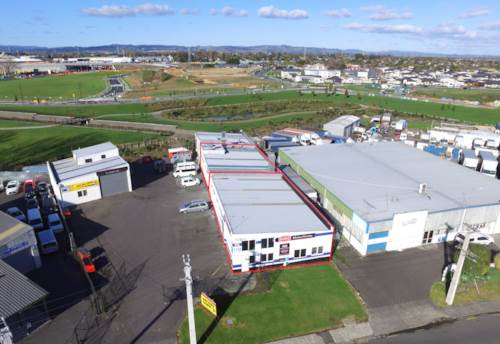 Manurewa, TENANTED INVESTMENT - FRONT UNIT PLUS ONE, Property ID: 83943 | Barfoot & Thompson