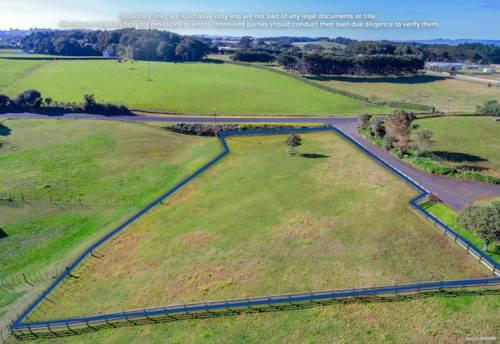 Waiuku, 1/2 Acre Section. No Covenants., Property ID: 792886 | Barfoot & Thompson