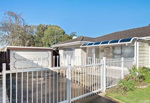 Papatoetoe, BRICK N TILE, CORNER, GATED IN GOLDEN CIRCLE, Property ID: 792622 | Barfoot & Thompson