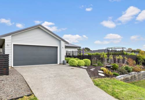 """Stanmore Bay, """"Dream Home"""" North Facing & Immaculate, Property ID: 793005   Barfoot & Thompson"""