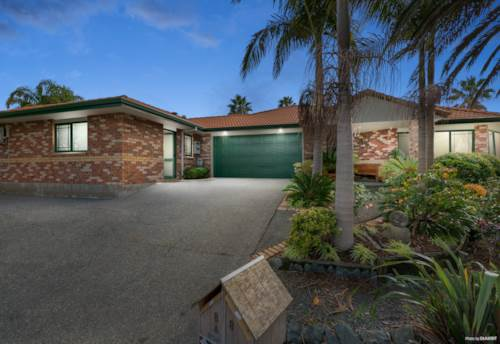 Gulf Harbour, Sensational Style - Home And Income, Property ID: 793136   Barfoot & Thompson