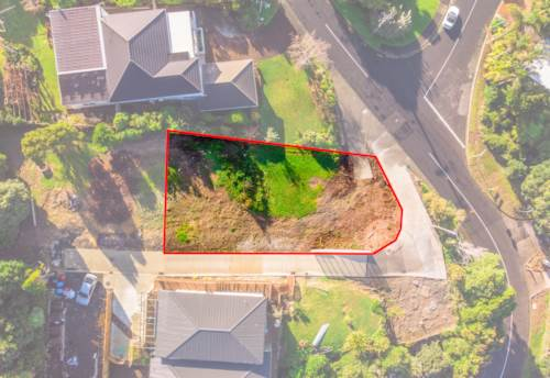 Hillsborough, Road Frontage - Sea View - Great Location, Property ID: 793449 | Barfoot & Thompson