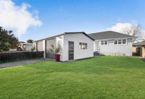 Papakura, Freehold Duplex - Ready for you Now!, Property ID: 793458 | Barfoot & Thompson