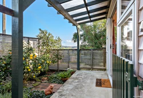Helensville, PERFECT RETIREMENT, COUPLES OR INVEST, Property ID: 793394 | Barfoot & Thompson