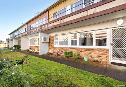 Papatoetoe, Calling all First home buyers and Investors!!, Property ID: 792019 | Barfoot & Thompson