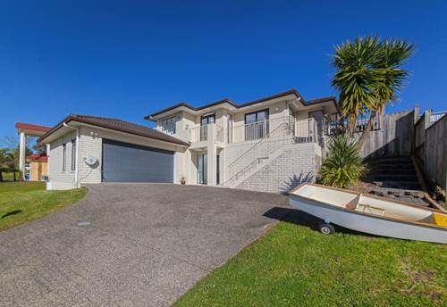 Westgate, Sensational Westgate Home On Full Site, Property ID: 793374 | Barfoot & Thompson