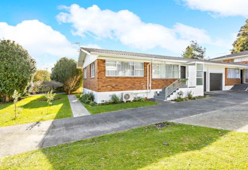 Papakura, Real Estate Gold - Rest, Nest or Invest, Property ID: 793371 | Barfoot & Thompson