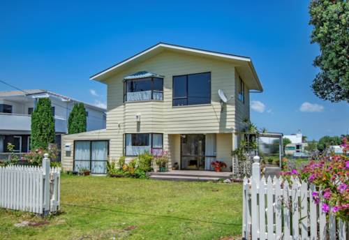 One Tree Point, BARGAIN BEACHFRONT BACH, Property ID: 793544 | Barfoot & Thompson