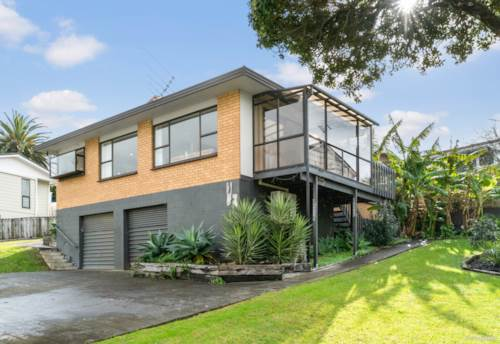 Manly, Hot Property With Sea Views, Property ID: 793600   Barfoot & Thompson