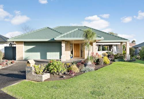 Dannemora, SINGLE LEVEL, BRICK & TILE - BOTANY COLLEGE ZONED!, Property ID: 793075 | Barfoot & Thompson