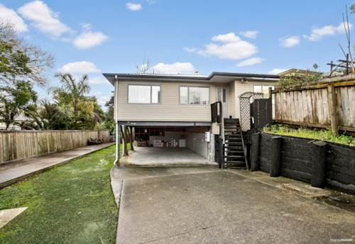 Glendene, A MUST SELL SITUATION! BRING IN YOUR OFFERS!, Property ID: 793057 | Barfoot & Thompson