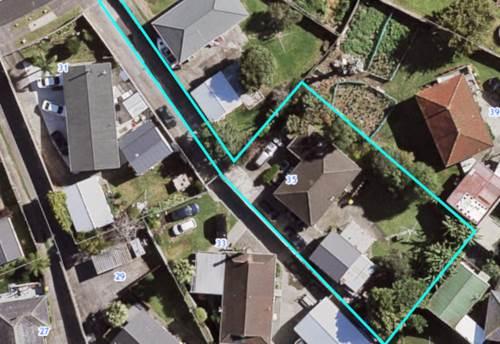 Manurewa, Income Generator on 938sqm in Mixed Housing Suburban Zone, Property ID: 793447   Barfoot & Thompson