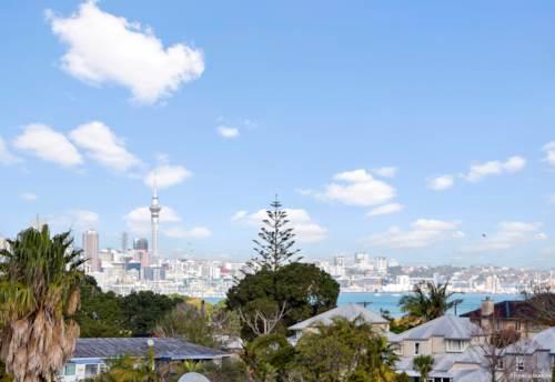 Takapuna, Seaside Bubble, Property ID: 793596 | Barfoot & Thompson