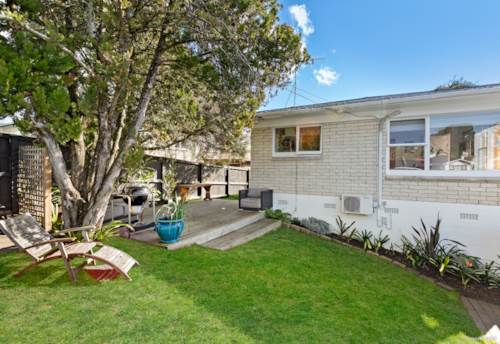 Glenfield, Perfect for First Home Buyers, Downsizers or Investors!, Property ID: 793702 | Barfoot & Thompson