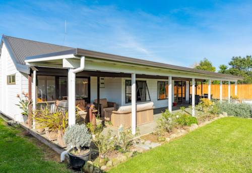 Mangawhai, On The Level Central Location, Property ID: 793873 | Barfoot & Thompson