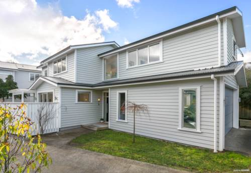 Mt Albert, Near New At Sought After Location, Property ID: 793708 | Barfoot & Thompson