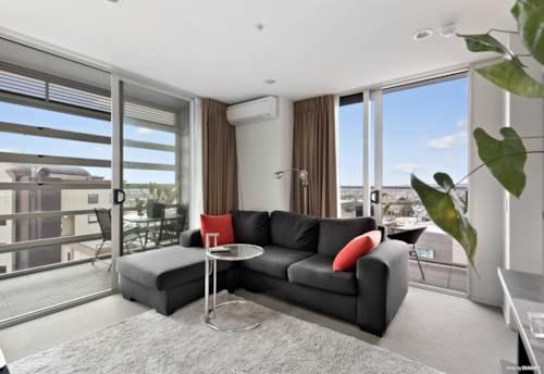 Manukau, Premium Apartment with 2 Carparks, Property ID: 793901 | Barfoot & Thompson