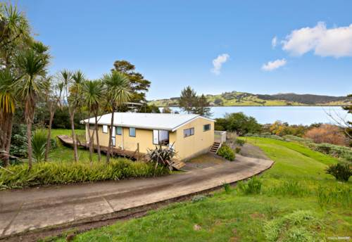 Kohukohu, Big Harbour Views, Property ID: 793284 | Barfoot & Thompson