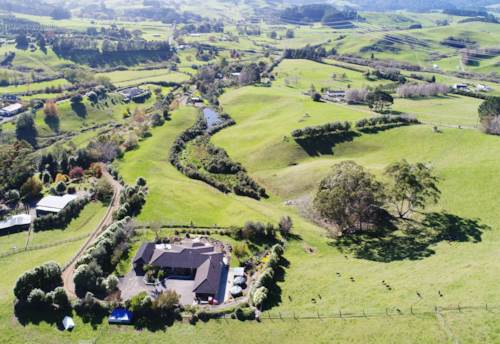 Hunua, SECLUDED SCENIC SERENITY - PERFECTLY PACKAGED ON 30 HA, Property ID: 793982 | Barfoot & Thompson