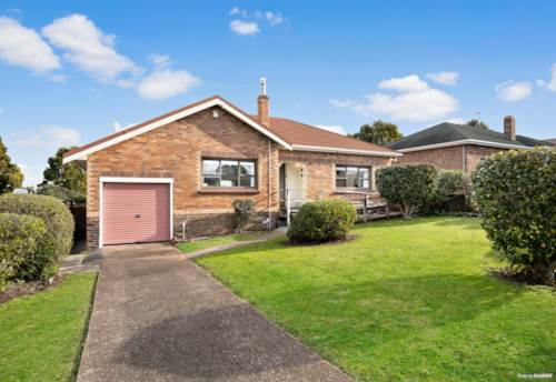 Mt Roskill, AUCTION TUESDAY 11th AUGUST 1.30PM 34 SHORTLAND ST CITY, Property ID: 793754   Barfoot & Thompson