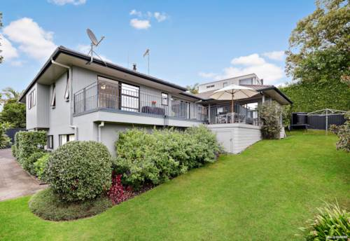 Remuera, A solid brick family home in DGZ set on 1093 sqm, Property ID: 794119 | Barfoot & Thompson