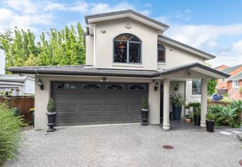 New Lynn, SUPER SPACIOUS FAMILY HOME, Property ID: 794149 | Barfoot & Thompson