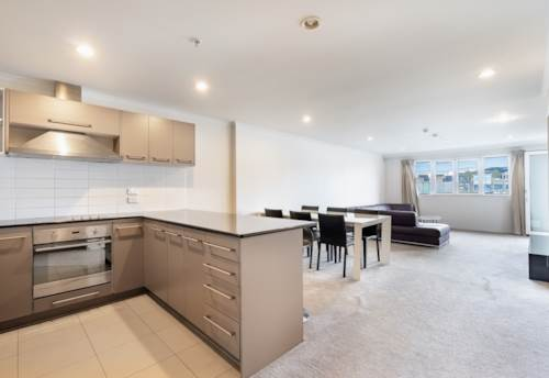 Newmarket, CHIC & STYLISH IN DOUBLE GRAMMAR ZONE, Property ID: 793998 | Barfoot & Thompson