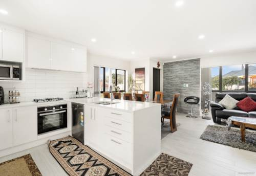 Papatoetoe, Almost Brand New!!, Property ID: 794274 | Barfoot & Thompson