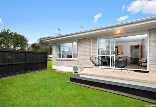New Lynn, Solidly built - Quiet Sunny Prime Position, Property ID: 793830 | Barfoot & Thompson
