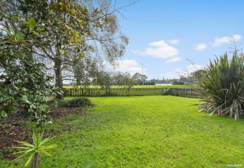 Kelston, Extra Large Home with Space for Extended Family, Property ID: 794344 | Barfoot & Thompson