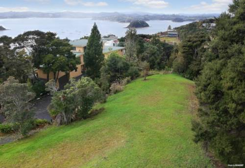 Paihia, The Gift of Time in a Beautiful Package, Property ID: 793944 | Barfoot & Thompson