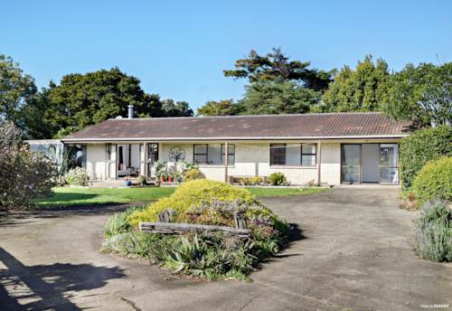 Pukekohe, ENCHANTED GARDEN, FOREST & VIEWS ON 1HA + DIAMOND OF A SHED, Property ID: 794173 | Barfoot & Thompson