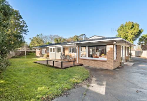 Pakuranga, Huge Section! Terrace House and Apartment Zone!, Property ID: 794404 | Barfoot & Thompson
