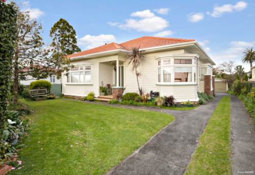 Mt Roskill, FAMILY TIME PLUS  GREAT POTENTIAL, Property ID: 794421 | Barfoot & Thompson