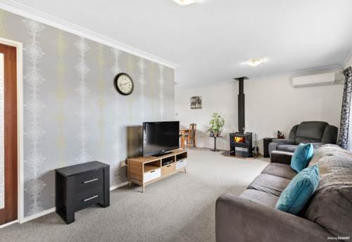 Papakura, Nest or Invest!, Property ID: 794278 | Barfoot & Thompson