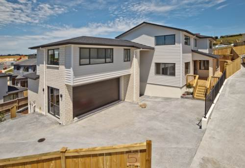 Pinehill, Luxury in Pinehill, Property ID: 794597 | Barfoot & Thompson