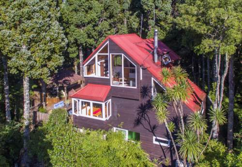 Laingholm, Life at the top, Property ID: 794606 | Barfoot & Thompson