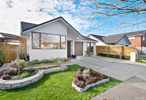Takanini, Family Reasons Demands Sale, Property ID: 794411   Barfoot & Thompson