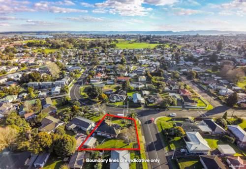 Manurewa, 956m² corner site Full of Potential, Property ID: 794314   Barfoot & Thompson