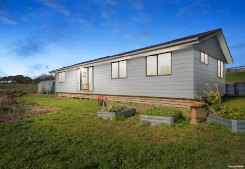 Pukekawa, A Little Slice of Magic - 1.6 ha + Home + Garage, Property ID: 794237   Barfoot & Thompson