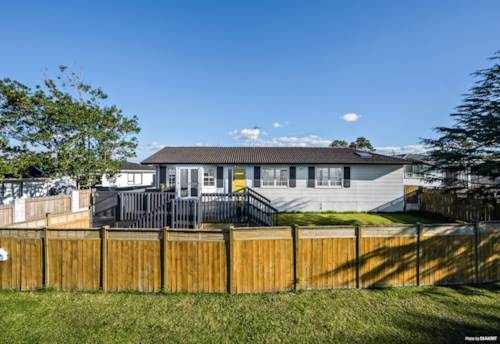 Half Moon Bay, Lovely Family Home - Potential to Subdivide with View, Property ID: 793970 | Barfoot & Thompson
