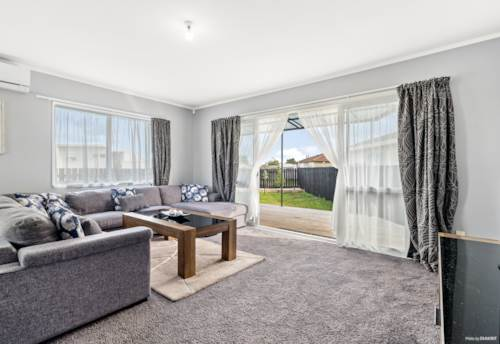 Clendon Park, Stop paying rent - Vendors relocating, Property ID: 794419   Barfoot & Thompson