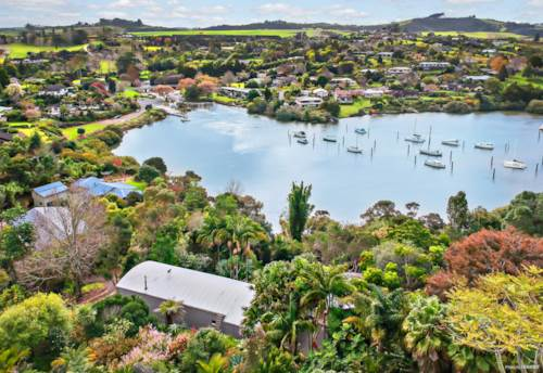 Kerikeri, RIVERVIEW WATERFRONT HAVEN, Property ID: 794420 | Barfoot & Thompson