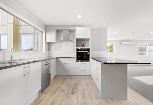 Papakura, Lifestyle Living at its Best, Property ID: 794736 | Barfoot & Thompson