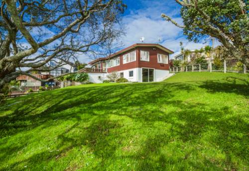 Campbells Bay, One of the very last - Parkside retreat, Property ID: 794643 | Barfoot & Thompson