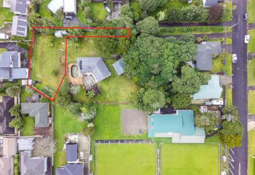 Buckland, WHAT A RARE FIND - FLAT 874 sqm SECTION, Property ID: 794811 | Barfoot & Thompson