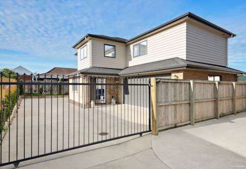 Papatoetoe, CENTRAL SCHOOL ZONE, BEDROOM DOWNSTAIRS, 2 LOUNGES & PARKING, Property ID: 794767 | Barfoot & Thompson